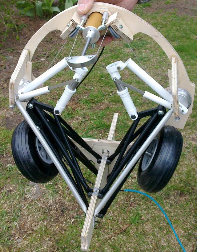 F4F landing gear 01